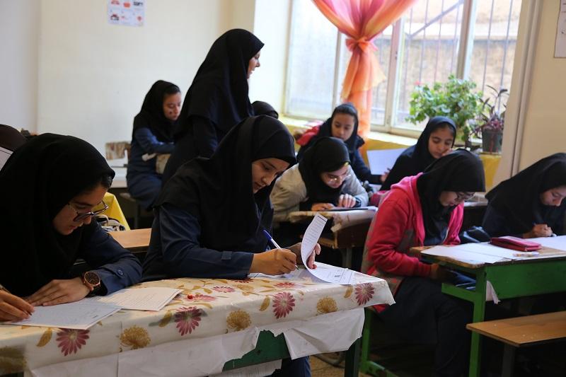 برگزاری پس آزمون طرح دانش آموزی داناب در مدارس استان